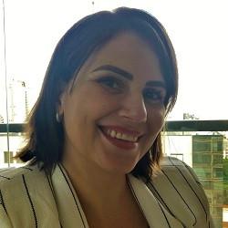 Flávia Lacerda Correia
