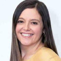 Adriana Lins Prado